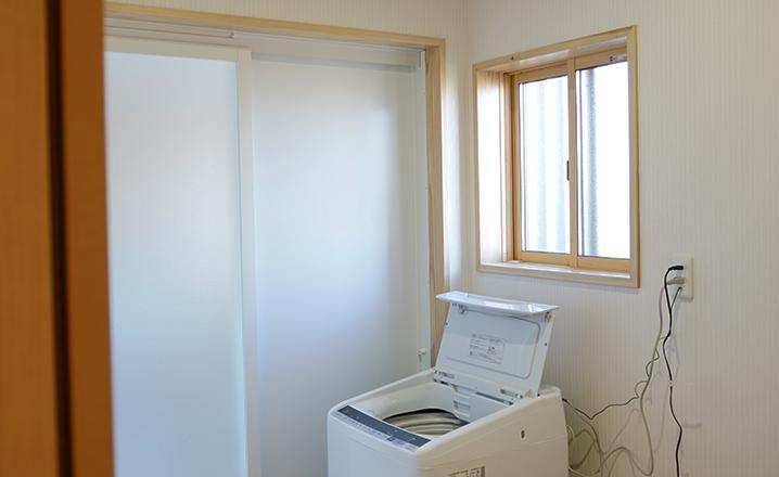 木造住宅:那珂市A邸:洗濯機置き場
