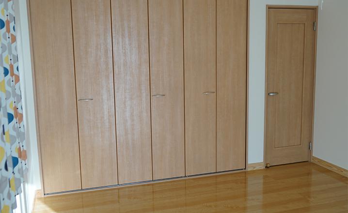 木造住宅:那珂市A邸:洋室のクローゼット