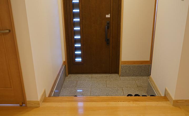 木造住宅:那珂市A邸の玄関
